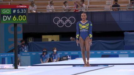 Rebeca começa com salto espetacular e tem nota 15.300
