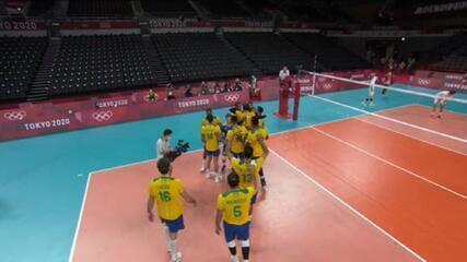 Brasil vence França rumo às quartas no vôlei masculino