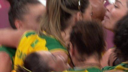Melhores momentos: Brasil 3 x 1 Comitê Olímpico Russo pelas quartas do vôlei feminino