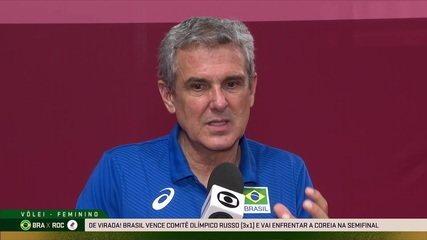 """Zé Roberto cita """"dor na alma"""" durante o jogo e destaca fator decisivo: """"""""Fizemos mais bloqueios que elas"""""""
