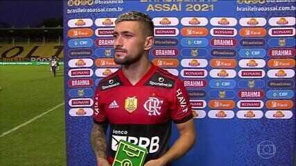 """""""Quero ficar no Flamengo"""" - Arrascaeta, escolhido como Craque do Jogo na vitória contra o Sport"""