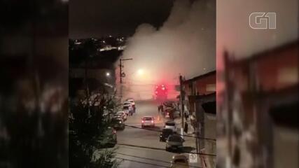 Loja de estofados pega fogo em Itapetininga