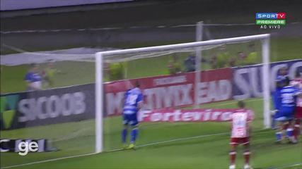Aos 25 min do 2º tempo - gol de cabeça de Vinícius do Náutico contra o CSA