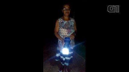 Moradores contam que lapião ofertado pelo projeto 'Litro de Luz' ajuda no cotidiano