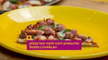 Pizza low carb com presunto