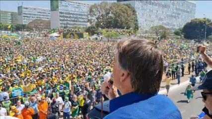 'Ou o chefe desse poder enquadra o seu, ou esse poder pode sofrer aquilo que nós não queremos', diz Bolsonaro