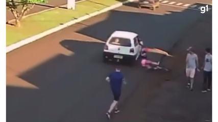 Mulher cai de bicicleta após ser assediada, no Paraná