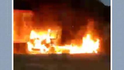 Caminhão pegou fogo em Cachoeiro de Itapemirim