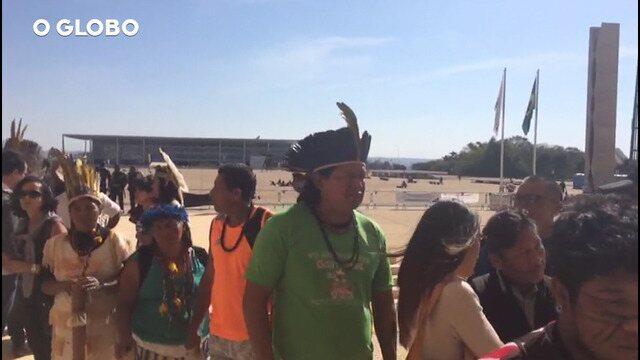 Indígenas protestam no STF pela demarcação de terras