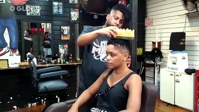 Acessório muda os cabelos e é tendência em salões de Madureira - Reportagem e imagens Saulo Pereira Guimarães