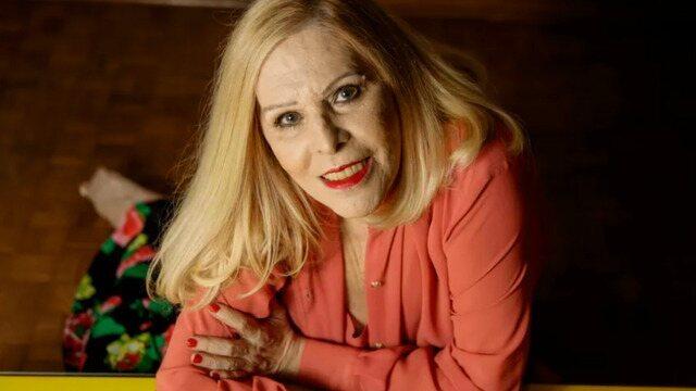A cantora Vanusa morreu na madrugada deste domingo, aos 73 anos, em casa de repouso, em Santos, no litoral de São Paulo. Entre agosto e setembro, ela esteve internada no Complexo Hospitalar dos Estivadores com um quadro de pneumonia e anemia. A morte foi anunciada pela família, através de um comunicado