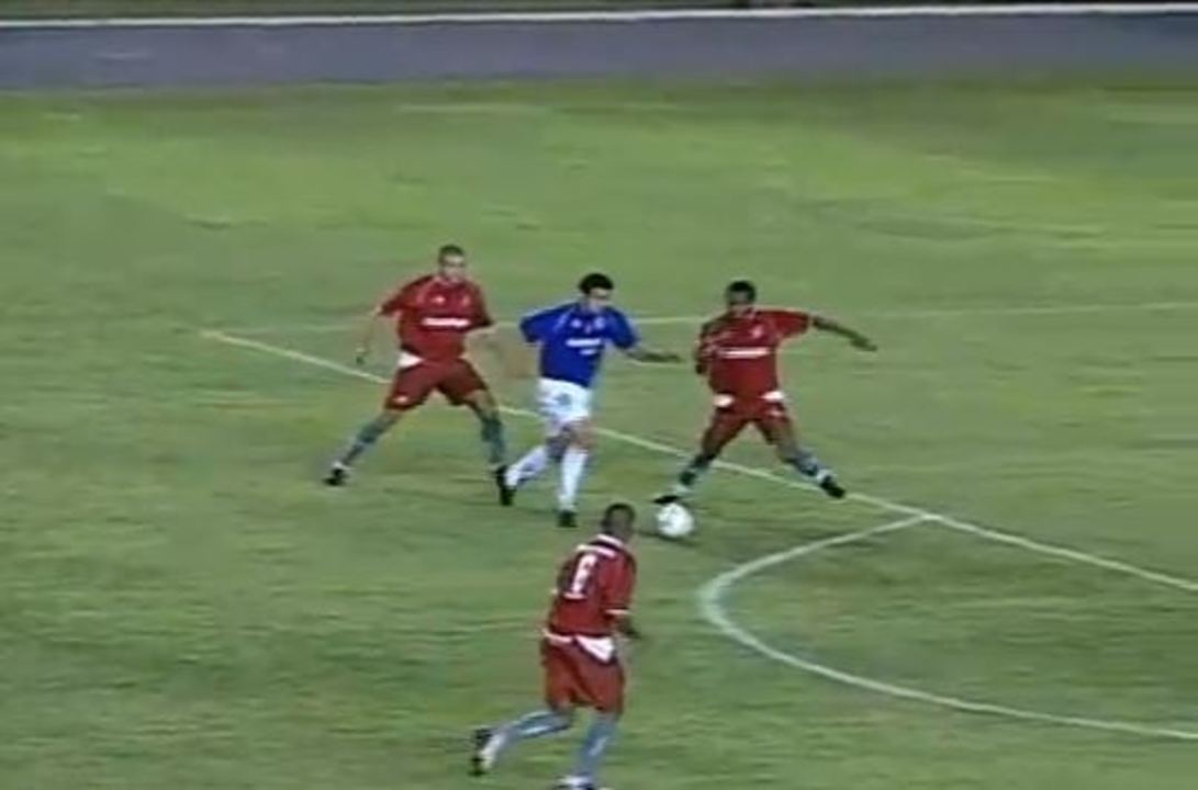 In 2004, Fred debut goal Cruzeiro