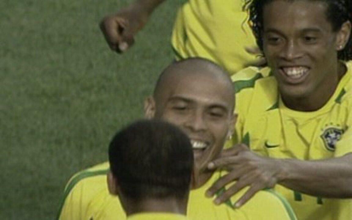Em 2002, os gols de Brasil 2 x 1 Turquia pela Copa do Mundo