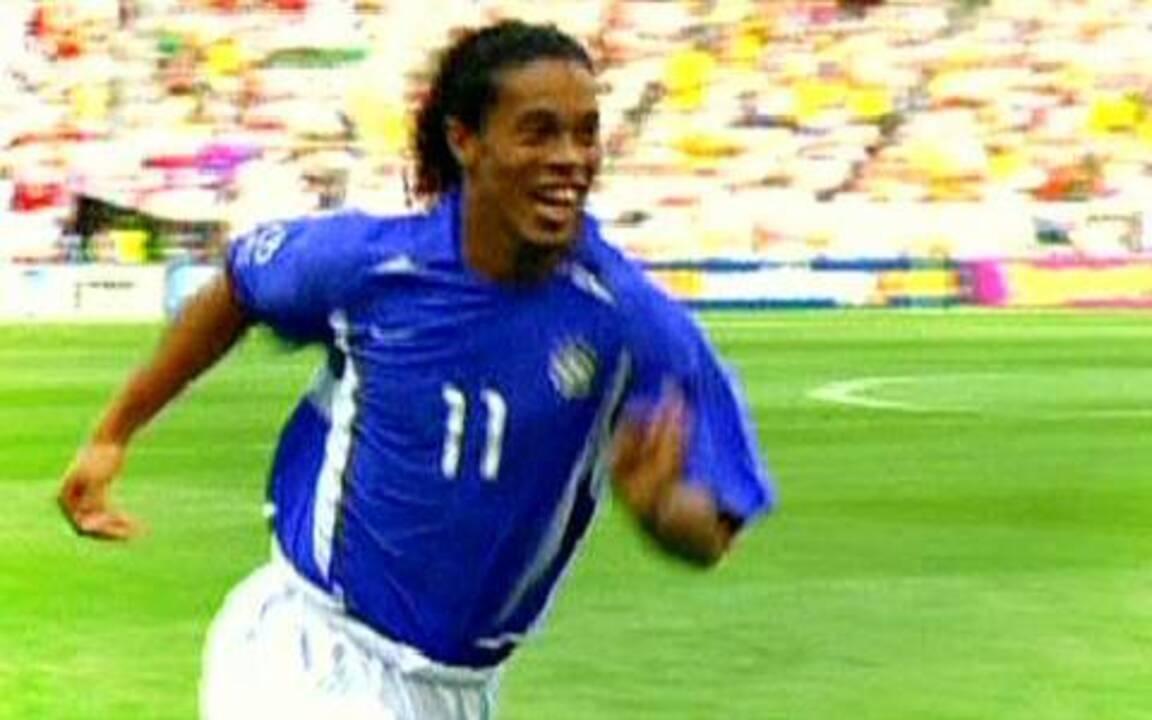 Gol de Ronaldinho Gaúcho na Copa de 2002 fez história