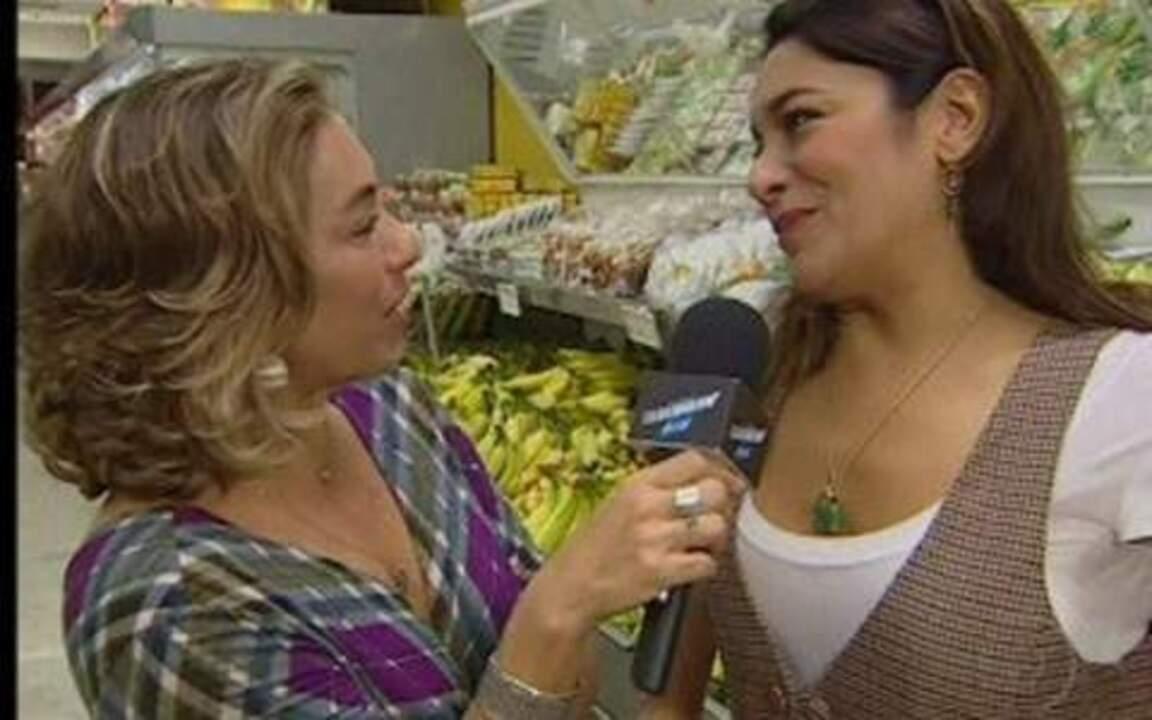 Cissa Guimarães vai à feira com Dira Paes