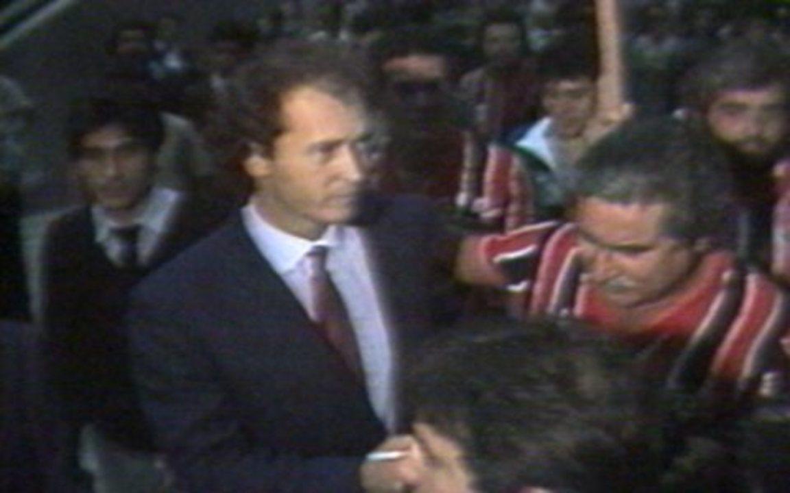 Em 1985, Falcão chega da Itália para defender o São Paulo