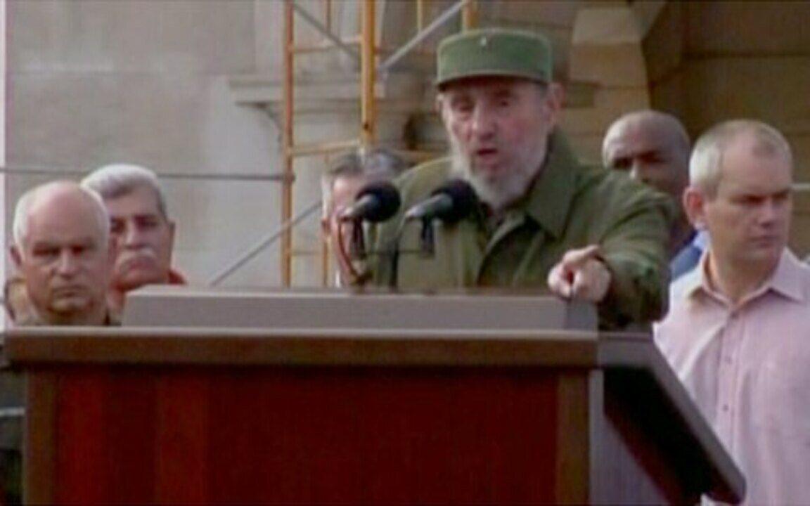 Fidel Castro volta a discursar em público