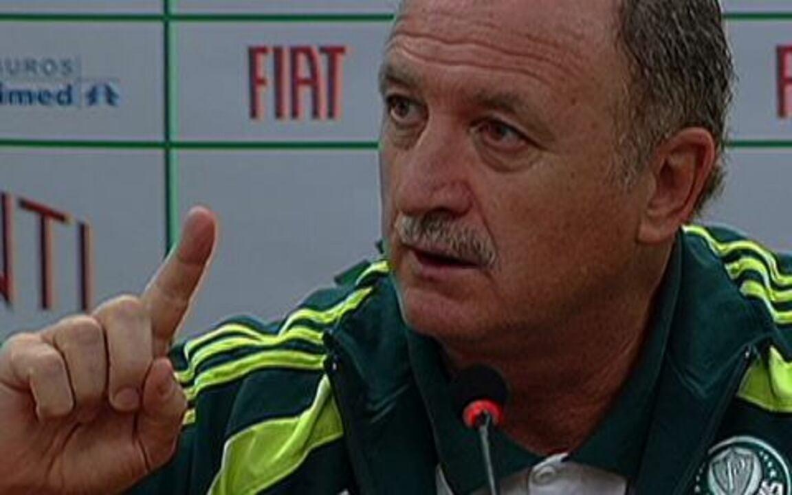 Técnico do Palmeiras se irrita ao ser questionado sobre estado físico de Valdivia