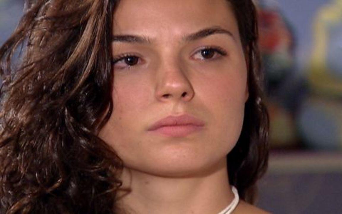 Ti-ti-ti - capítulo de segunda feira, dia 01/11/2010, na íntegra - Marcela revela para Edgar que Paulinho é neto de Stela