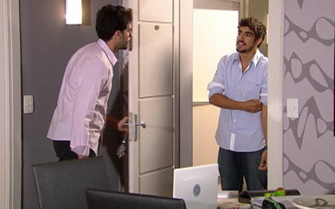 Ti ti ti - capítulo de sábado, dia 19/02/2011, na íntegra - Edgar chega à casa de Marcela e vê Renato