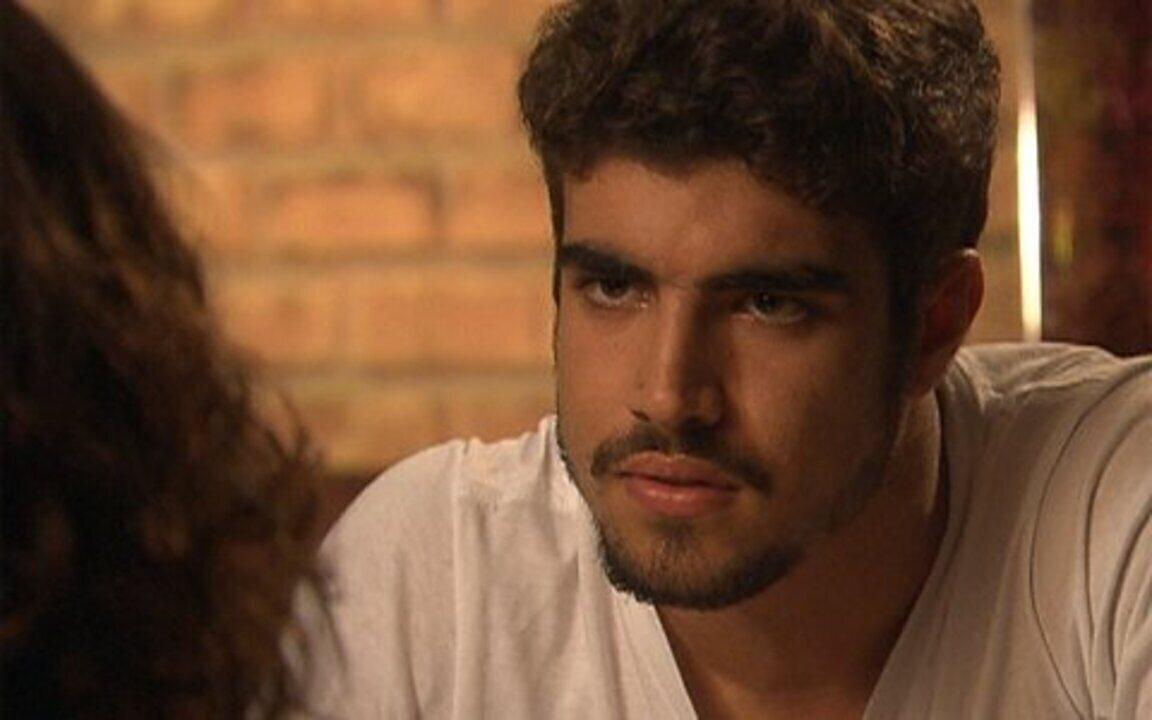 Ti ti ti - capítulo de segunda feira, dia 28/02/2011, na íntegra - Edgar fica com ciúmes de Marcela com Renato e pergunta se a garota transou com o ex-marido