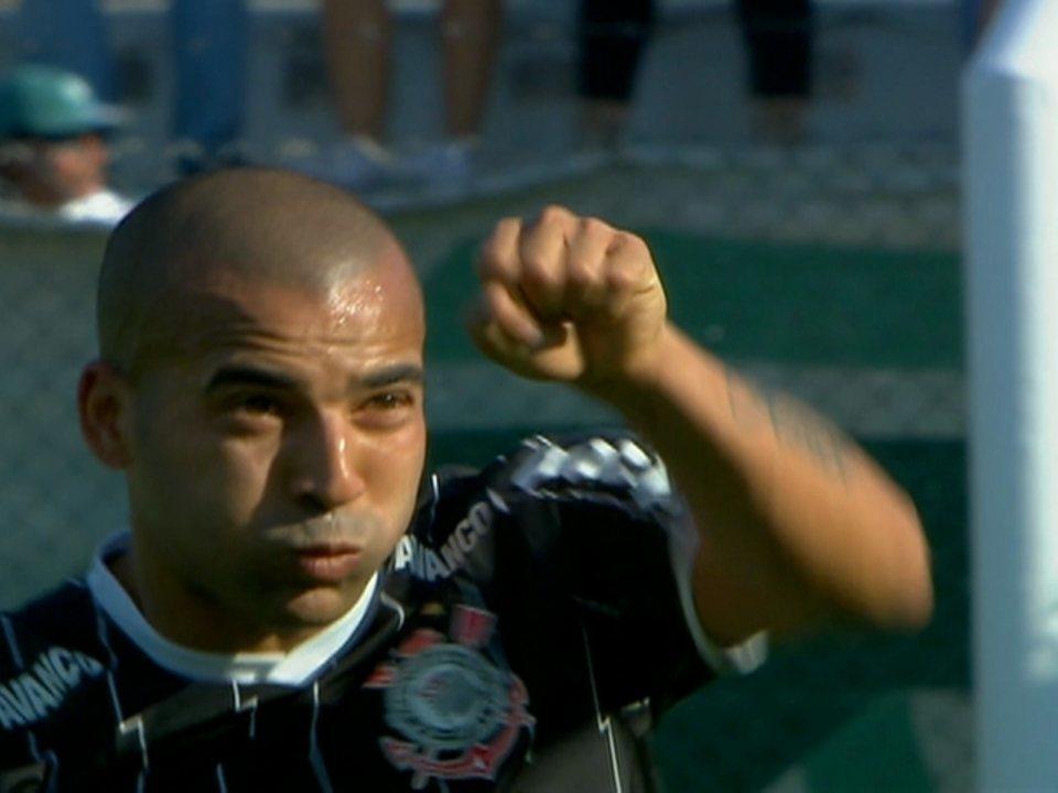 Relembre o primeiro gol de Emerson Sheik pelo Corinthians contra o Palmeiras