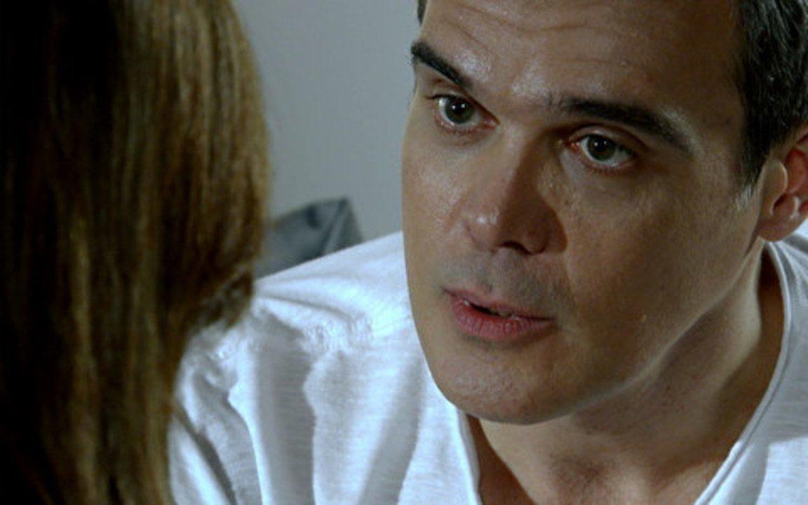 Fina Estampa - Capítulo de segunda-feira, 05/09/2011, na íntegra - René afirma a Tereza Cristina que nunca vai abandoná-la
