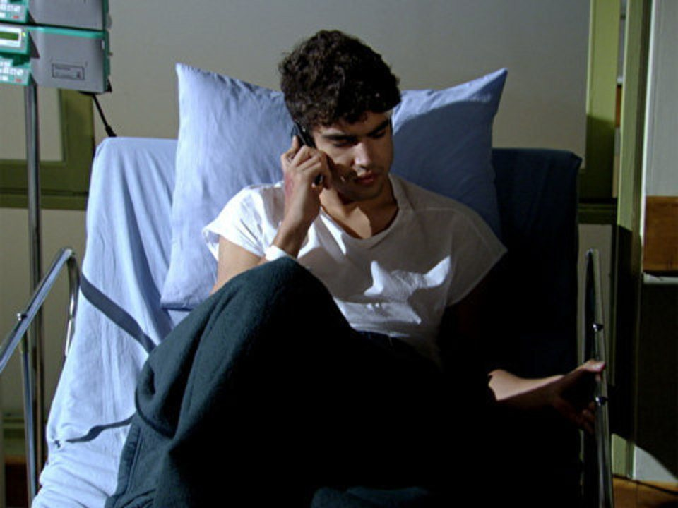 Fina Estampa - Capítulo de terça-feira, 13/09/2011, na íntegra - Antenor recebe alta no hospital e liga para Griselda