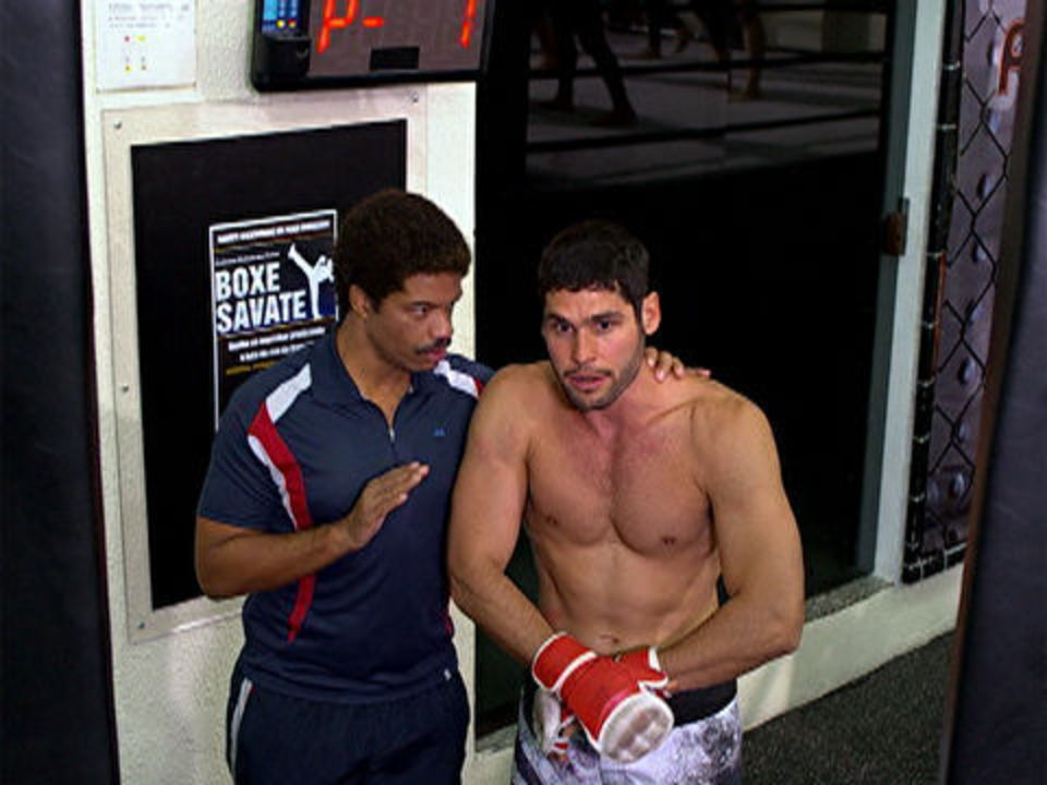 Fina Estampa - Capítulo de sábado, 29/10/2011, na íntegra - Wallace começa o treino e Teodora fica apreensiva