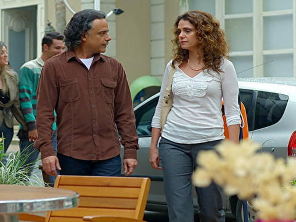 A Vida da Gente - capítulo de terça-feira, dia 1/11/2011, na íntegra - Marcos e Dora marcam um encontro