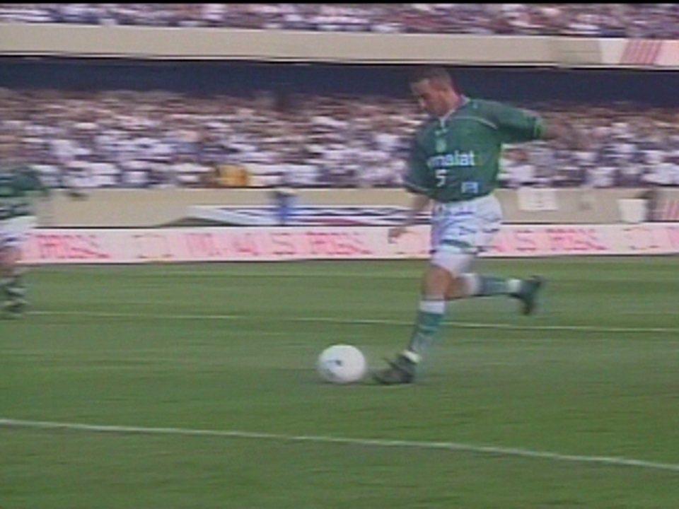 Em 1999, Palmeiras goleia Corinthians por 4 a 1 pelo Campeonato Brasileiro