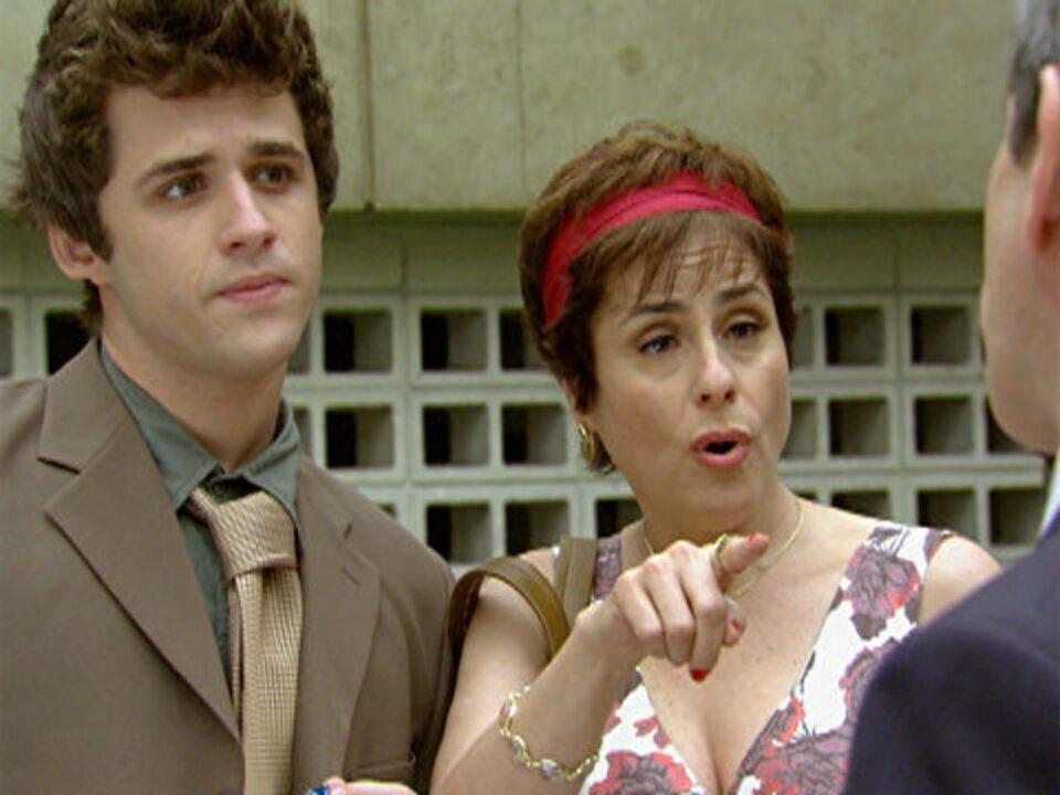 Malhação, capítulo de quinta-feira, dia 24/11/2011, na íntegra - Sandra descobre que seu advogado é o ex de Laura