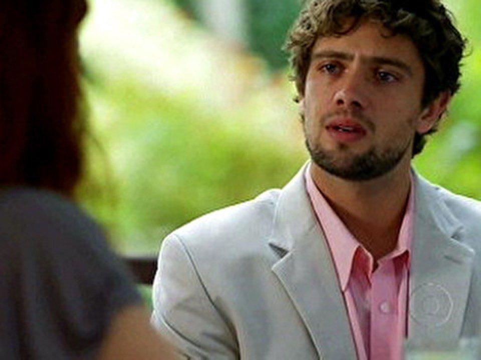 A Vida da Gente - capítulo de sexta-feira, dia 25/11/2011, na íntegra - Rodrigo confessa a Nanda que não esqueceu Ana