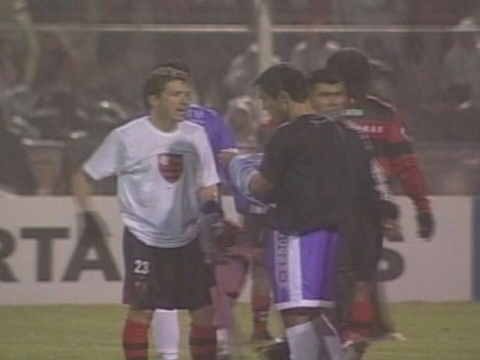 Em 2007, Flamengo empata em 2 a 2 com o Real Potosí, da Bolívia, pela Libertadores