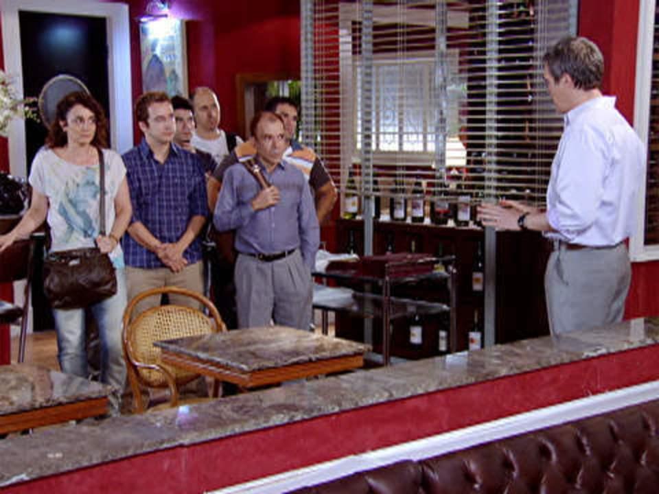Fina Estampa - capítulo de terça-feira, dia 13/12/2011, na íntegra - Griselda fica pasma ao saber que René foi expulso de casa