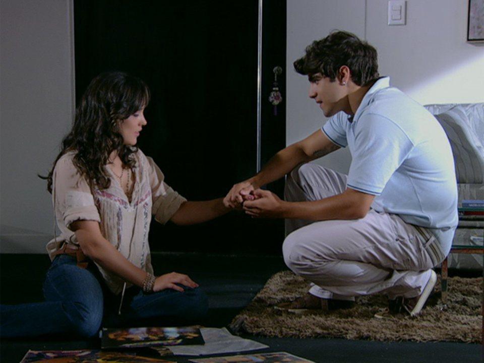 Fina Estampa - Capítulo de sexta-feira, dia 03/02/2012, na íntegra - Antenor pede Patrícia em casamento