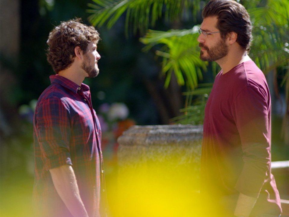 A Vida da Gente - capítulo de segunda-feira, dia 20/02/2012, na íntegra - Lúcio e Rodrigo discutem