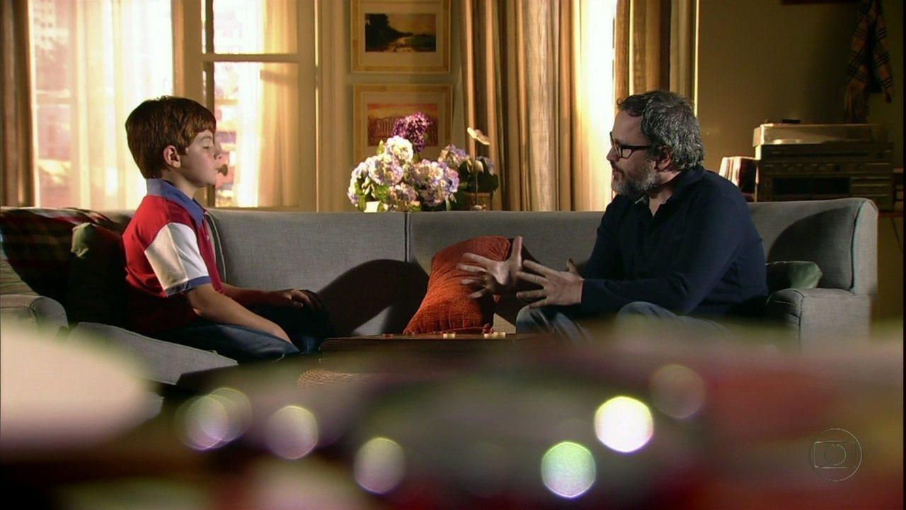 A Vida da Gente - capítulo de terça-feira, dia 28/02/2012, na íntegra - Lourenço diz a Tiago que é seu pai