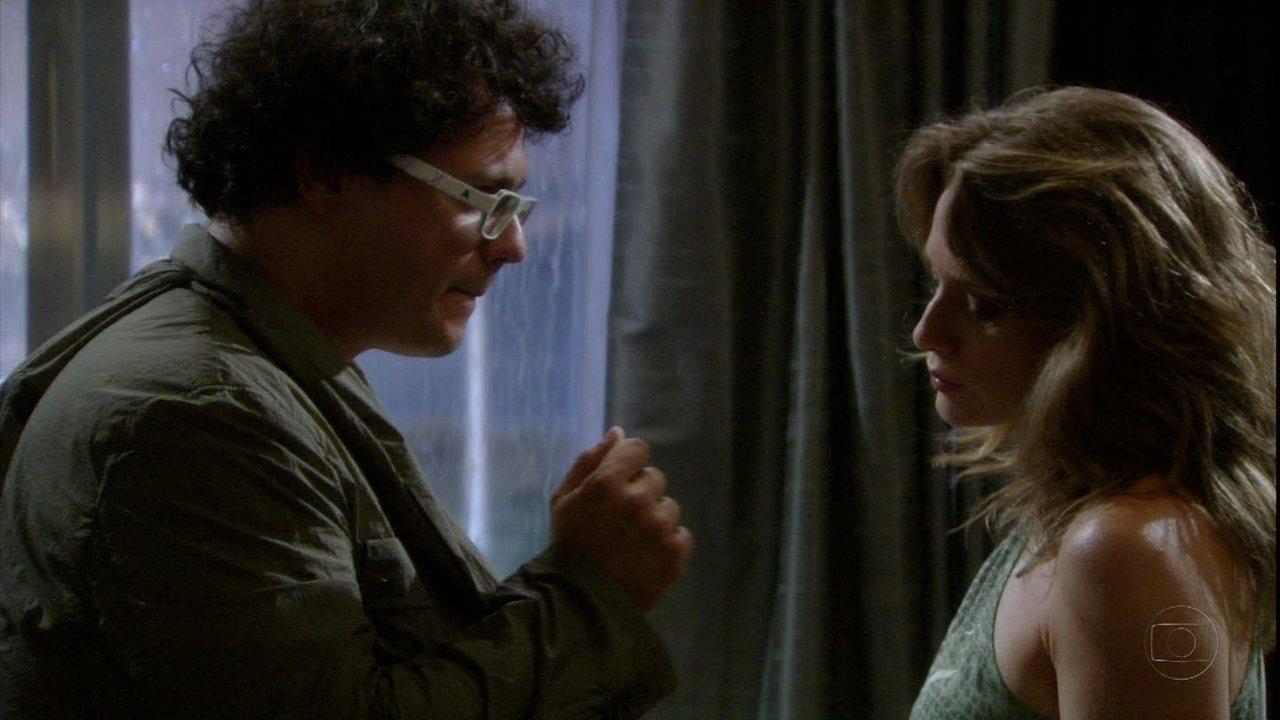 Malhação - capítulo de sexta-feira 23/03/2012, na íntegra - Fabiano sugere relação sem compromisso a Laura