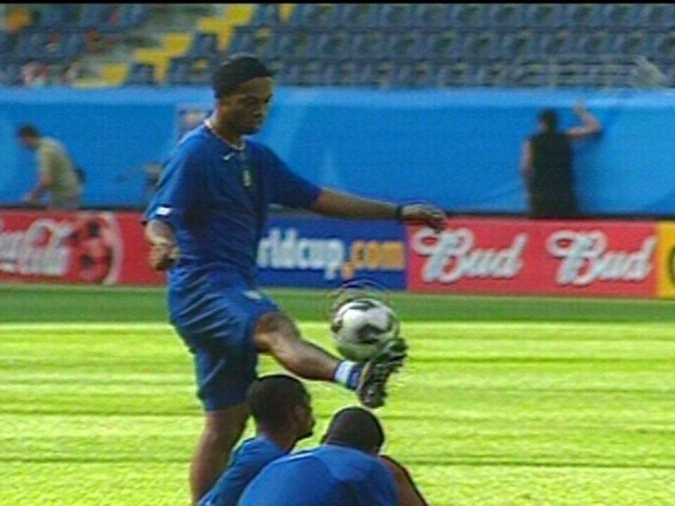 Em 2005, Ronaldinho Gaúcho comanda Seleção na Copa das Confederações