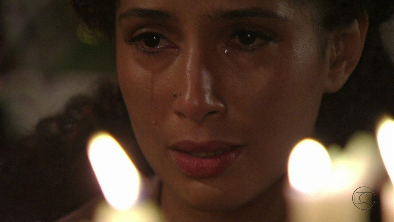 Lado a Lado, capítulo de segunda-feira, dia 29/10/2012, na íntegra - Isabel sofre por causa de seu filho