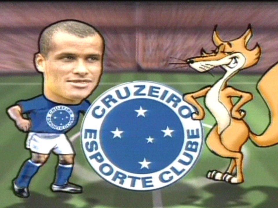 Em 2004, Rivaldo se apresenta ao Cruzeiro e elogia a estrutura do clube