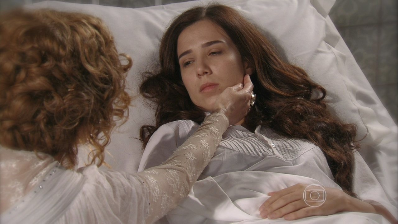 Lado a Lado, capítulo de segunda-feira, dia 04/03/2013, na íntegra - Laura acorda em um sanatório, ao lado de Constância