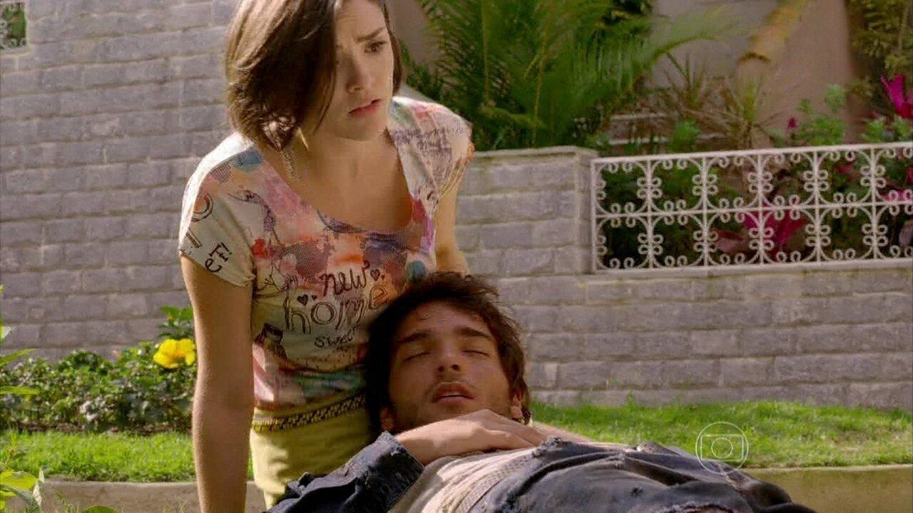 Sangue Bom - capítulo de quarta-feira, dia 04/09/2013, na íntegra - Giane encontra Fabinho desmaiado no canteiro de flores