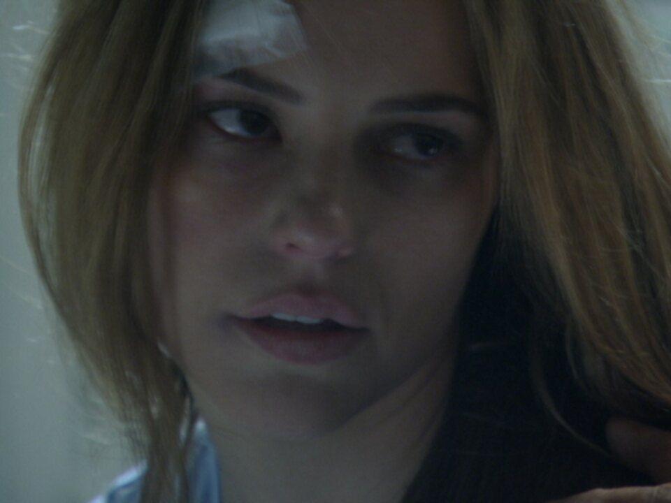 Em 'Amor à Vida', Paloma é obrigada a tomar remédio contra a sua vontade