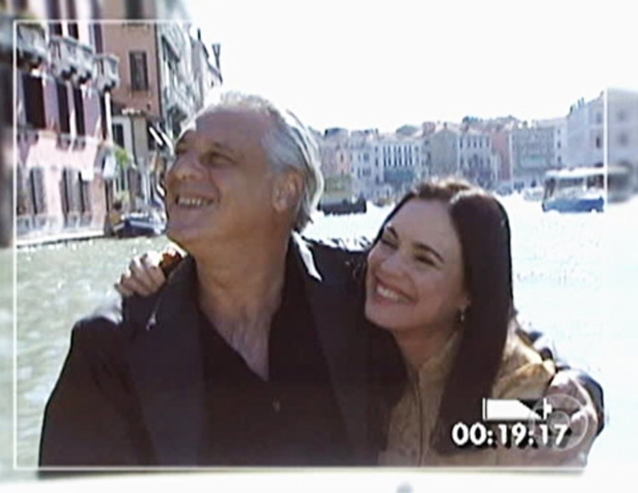 Por Amor: Helena e Atílio passeiam de gôndola por Veneza