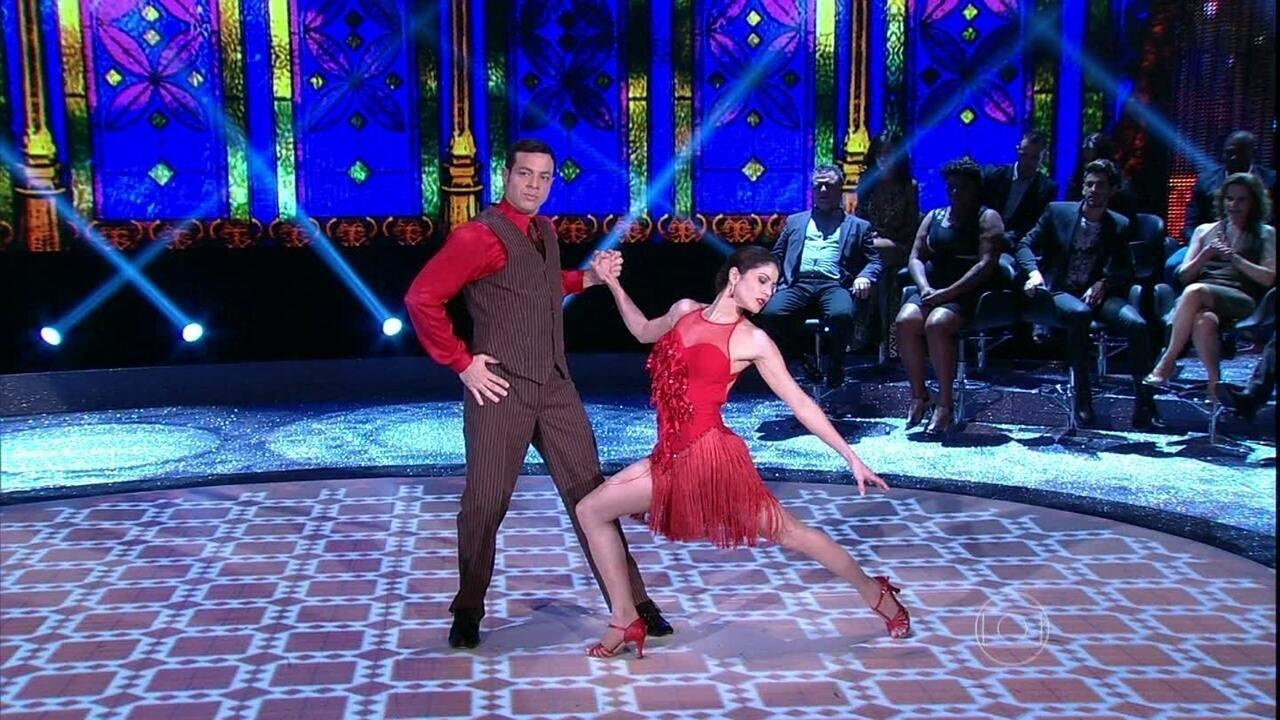 Carol Castro faz linda apresentação de tango na final do 'Dança dos Famosos 2013'