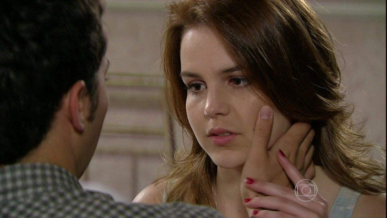 Malhação - Capítulo de segunda-feira, dia 14/10/2013, na íntegra - Sofia questiona Ben sobre a real paternidade do filho de Meg