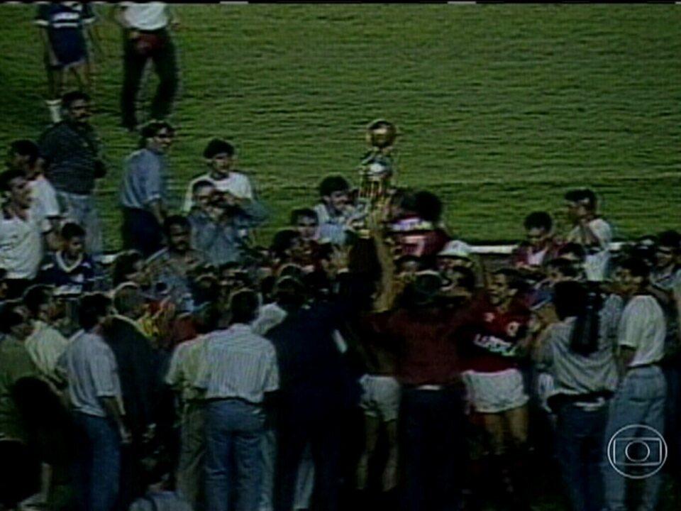 'Baú do Esporte': Confrontos entre Flamengo e Goiás pela Copa do Brasil de 1990