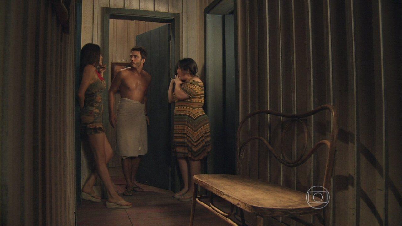 Além de Horizonte - capítulo de sexta-feira, dia 20/12/2013, na íntegra - William e Rafa ficam na casa de Vó Tita, e Selma e Rita se insinuam para eles